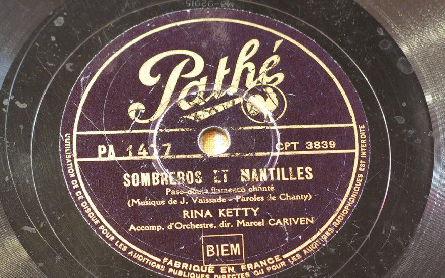 Rina Ketty, Sombreros et mantilles
