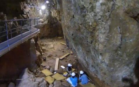 Chantier de fouilles de la grotte du Lazaret