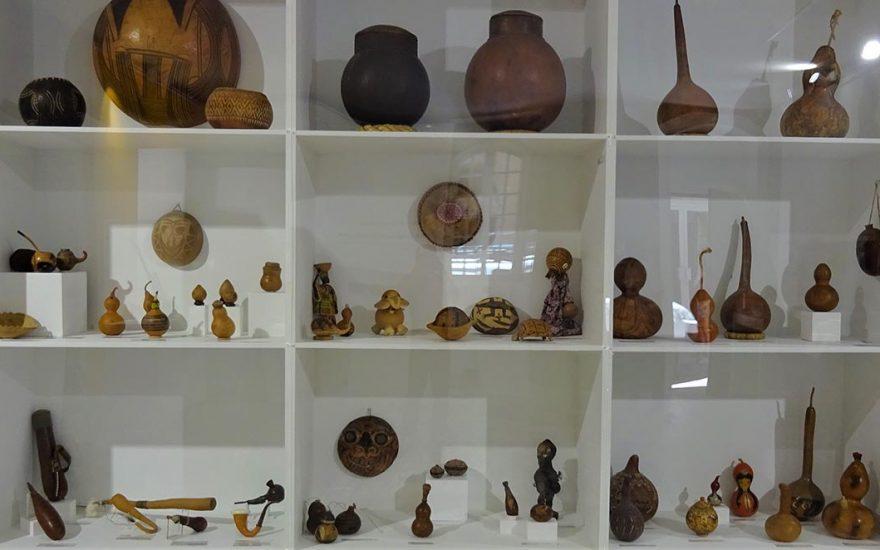 À la découverte d'instruments de musique en gourdes et calebasses, au Palais Lascaris